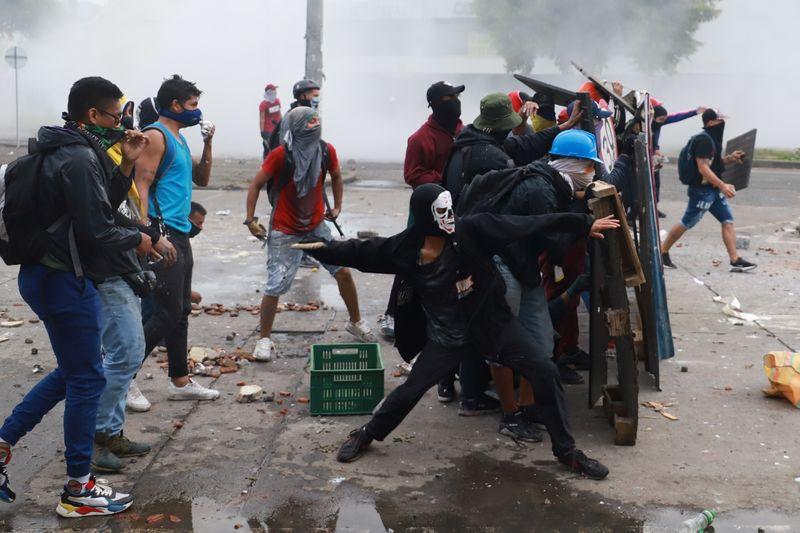 ONU y UE condenan violencia en protestas de Colombia, advierten de excesos