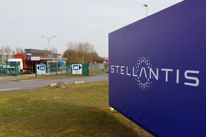 Stellantis sees heavier impact from chip shortage in Q2 vs Q1