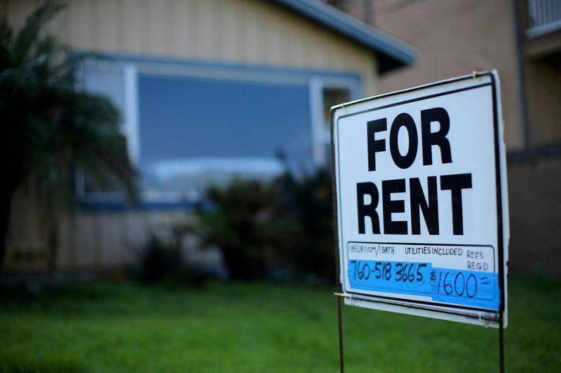 Judge puts hold on ruling voiding U.S. moratorium on evicting renters