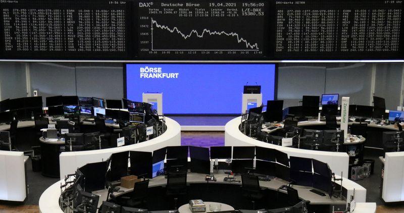 Wall Street devrait ouvrir en petite hausse, l'Europe hésite