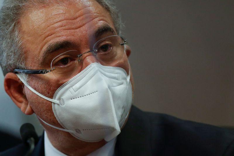 Pressionado, Queiroga evita comentar posições de Bolsonaro sobre Covid e defende isolamento
