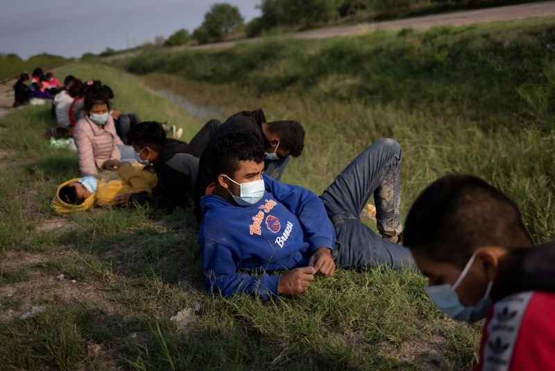 U.S. expands effort to allow in vulnerable migrants at Mexico border