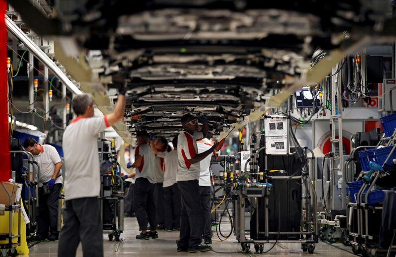 España es optimista en la búsqueda de un sustituto para Nissan, estudia planta de baterías