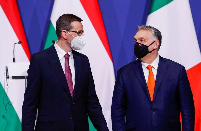 Polonia y Hungría suprimen la expresión