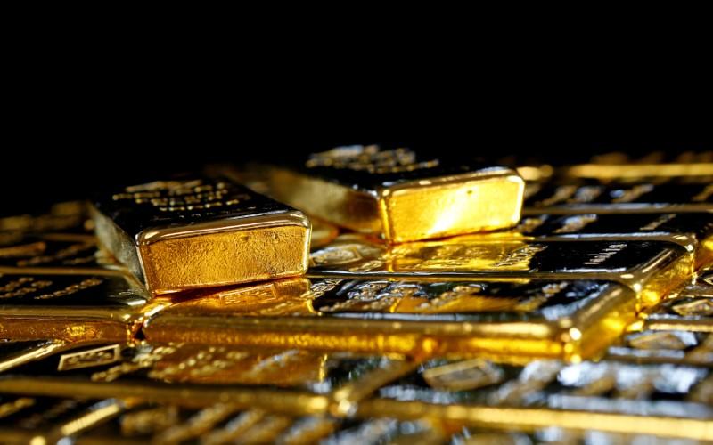 Oro sube y registra su mejor semana en 6 meses por débil dato empleo EEUU