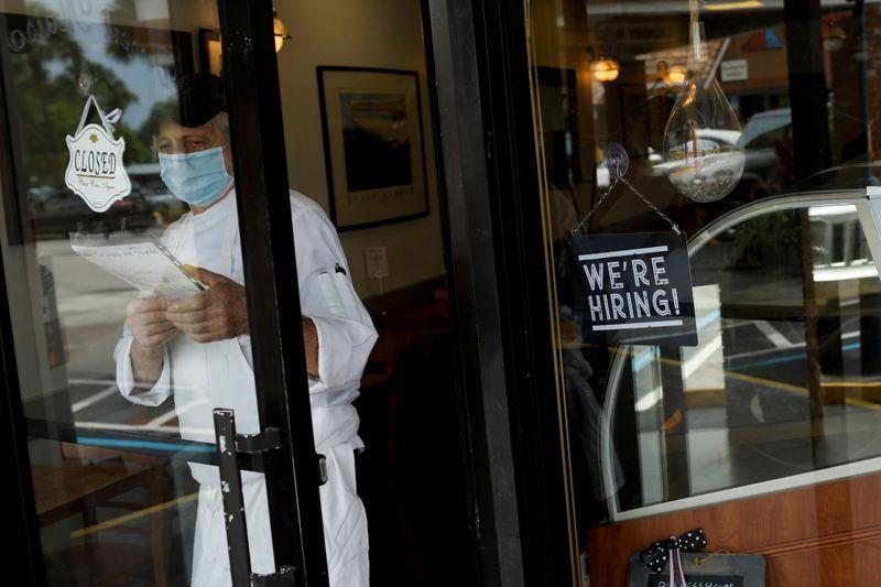 After shock U.S. jobs data, Republicans and Democrats spar over unemployment benefits