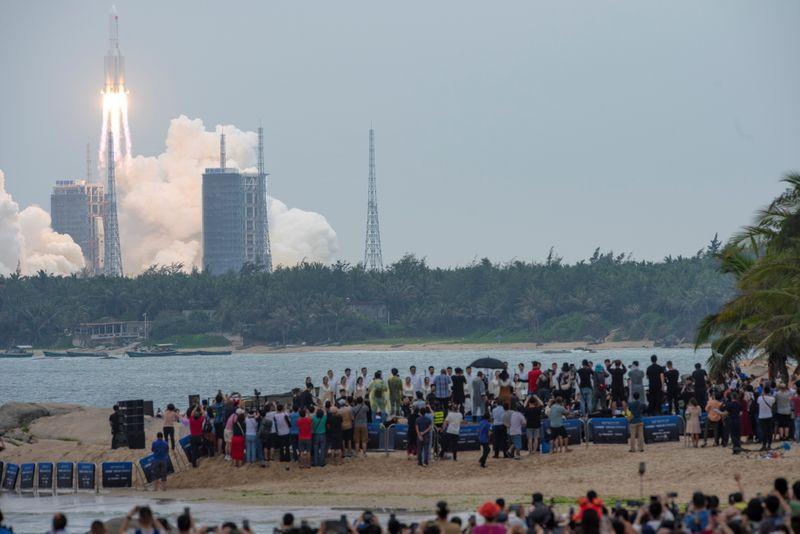 中国のロケット残骸、インド洋に落下と国営メディア NASAは批判