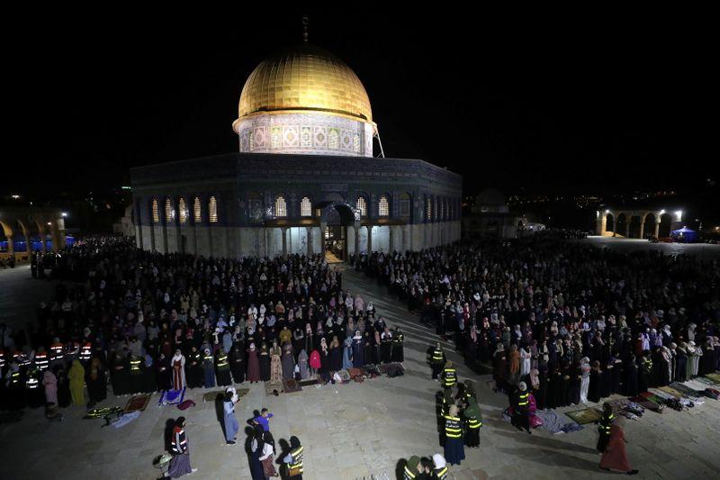 エルサレムでイスラエル警察とパレスチナ人が衝突、2日で数百人負傷