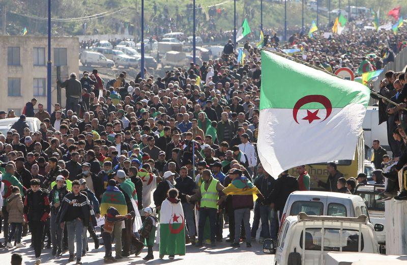L'Algérie impose des conditions aux manifestations
