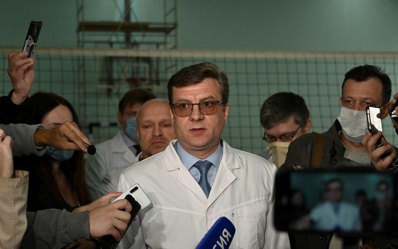 Médico siberiano que trató a crítico del Kremlin Navalny aparece luego de tres días: agencias