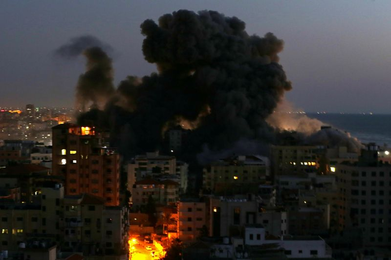 Israel declares curfew in Arab-Jewish town hit by violence
