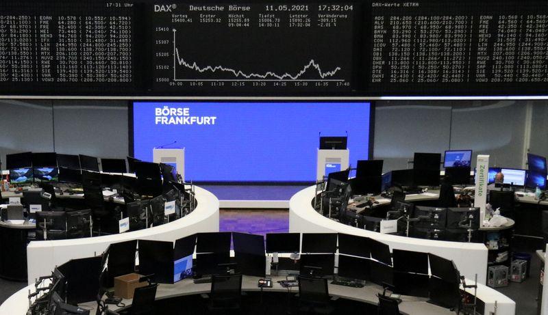 Акции Европы растут после обвала накануне, дорожают бумаги Commerzbank