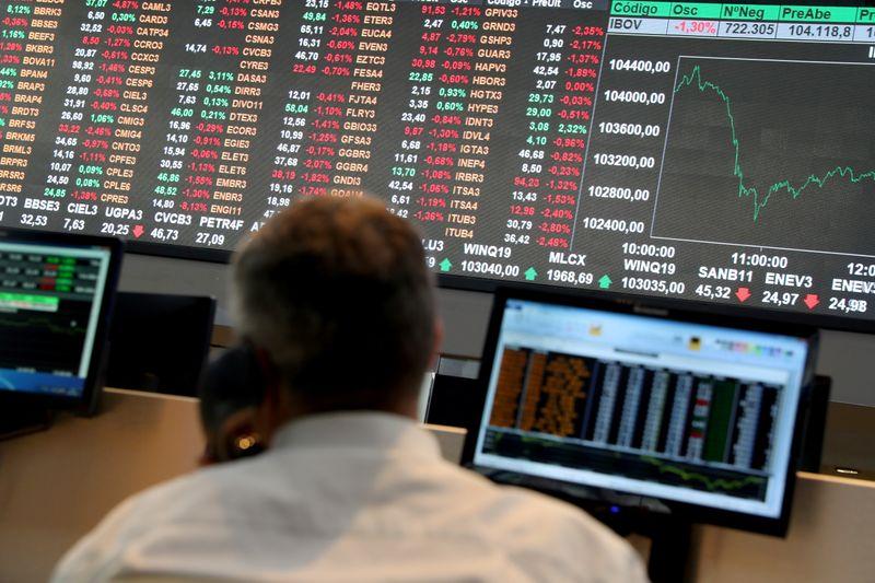 Ibovespa tem pior desempenho desde março em meio a receio com inflação nos EUA