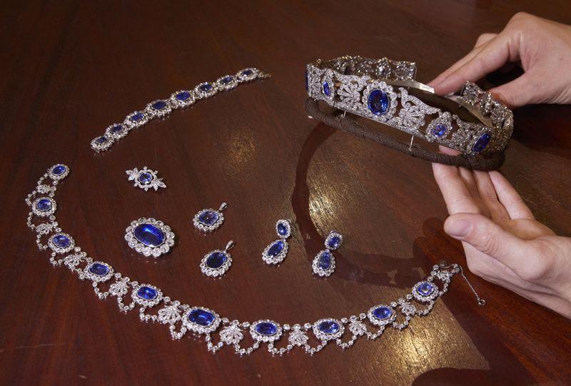 بيع مجوهرات من الحقبة الإمبراطورية الفرنسية لقاء 3 ملايين دولار في مزاد لكريستيز