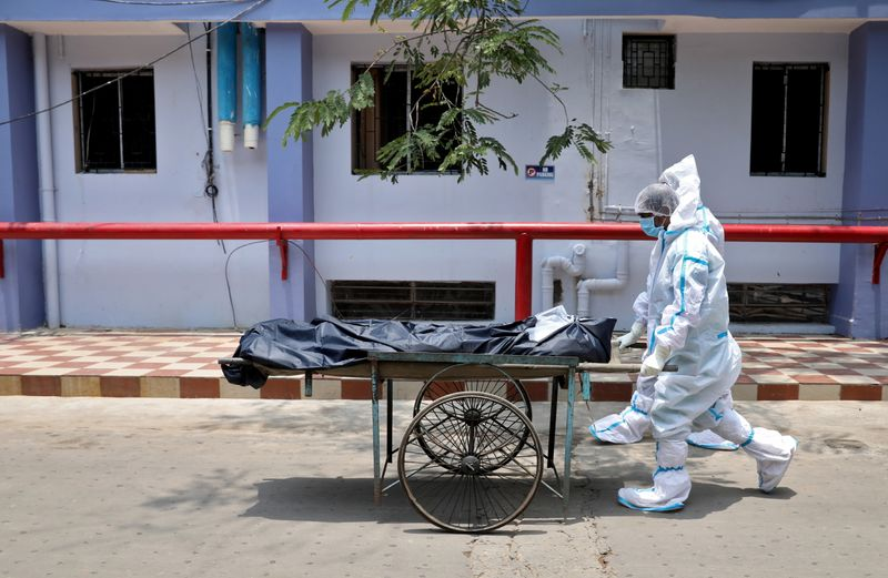 More than 4,000 Indians die of COVID-19 for second straight day