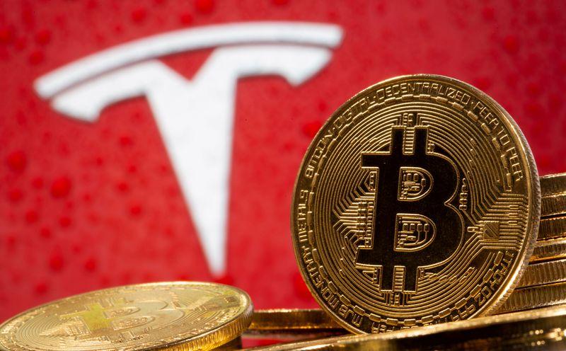 """Elon Musk dénonce la consommation d'énergie """"folle"""" du bitcoin"""