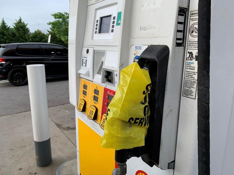U.S. retail gasoline shortages worsen as pipeline attempts restart