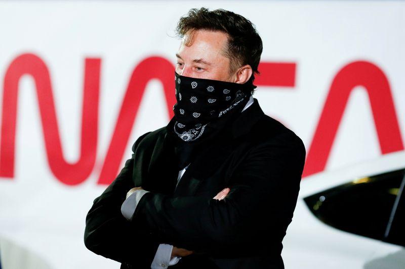 Elon Musk on crypto: to the mooooonnn! And back again