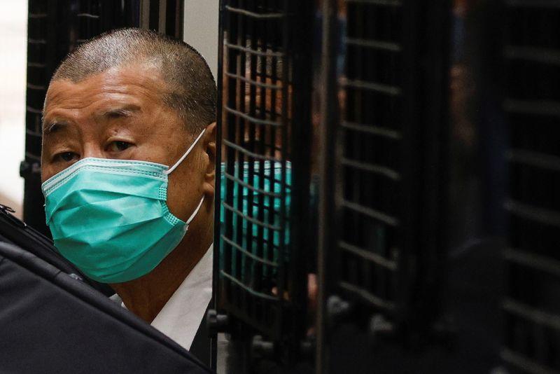 Hong Kong congela azioni di magnate dei media Lai in base a legge su sicurezza