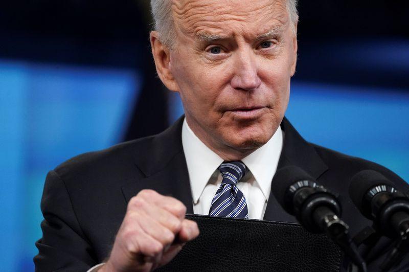 Biden revoga exigência de seguro saúde da era Trump para novos imigrantes