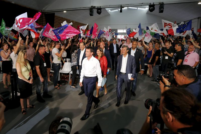 © Reuters. French Prime Minister Valls attends the Socialist Party's