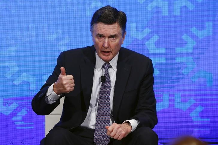 © Reuters. Dennis Lockhart of the Atlanta Fed takes part in a panel convened to speak about the health of the U.S. economy in New York