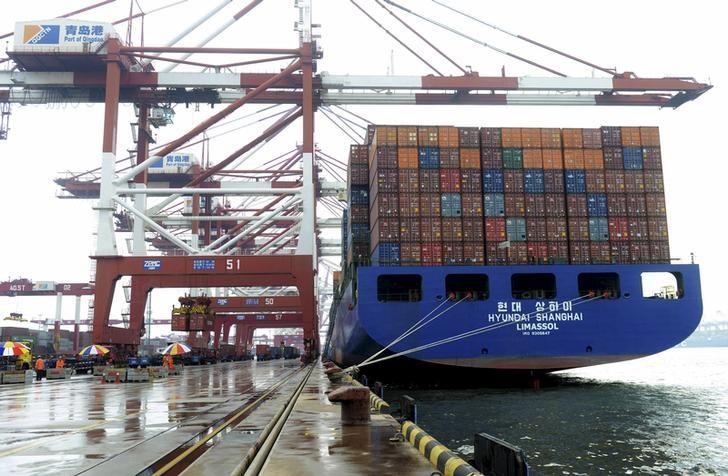 China May exports fall 4.1 percent, but imports beat expectations