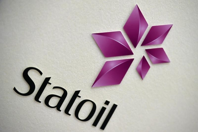 © Reuters. The company logo of Statoil is seen during a company results presentation in London