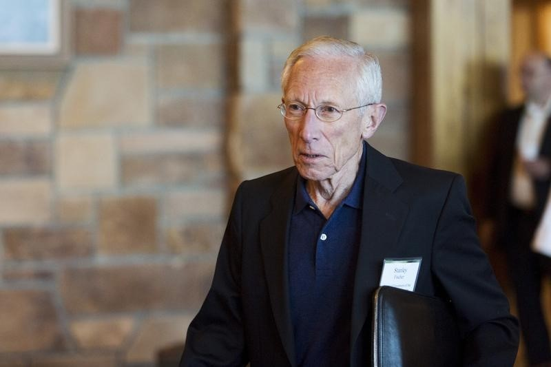 © Reuters. Federal Reserve Vice Chairman Stanley Fischer attends the Federal Reserve Bank of Kansas City's annual Jackson Hole Economic Policy Symposium in Jackson Hole, Wyoming
