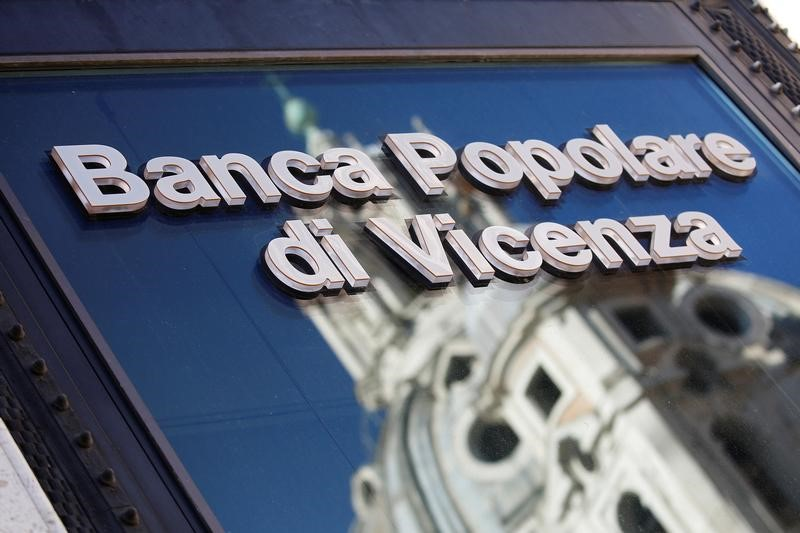 © Reuters. A Banca Popolare di Vicenza sign is seen in Rome