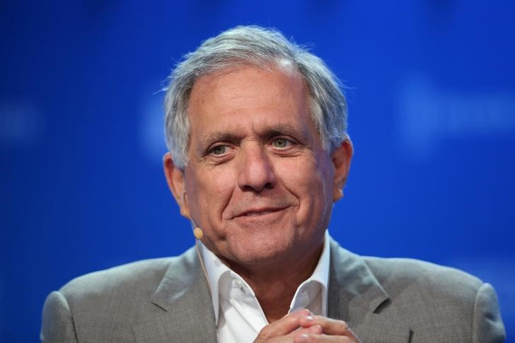 © Reuters. Moonves speaks during the Milken Institute Global Conference in Beverly Hills