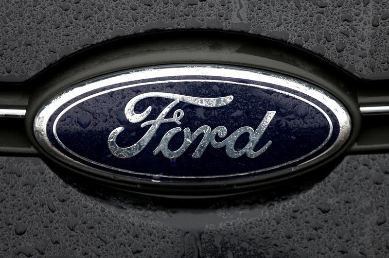 © Reuters. The Ford logo is pictured at the Ford Motor Co plant in Genk