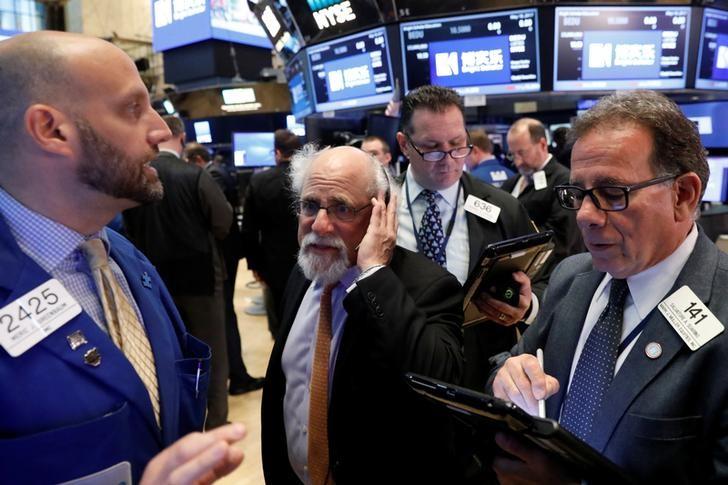 © Reuters. الأسهم الأمريكية تغلق مرتفعة لكن دون أعلى مستويات الجلسة