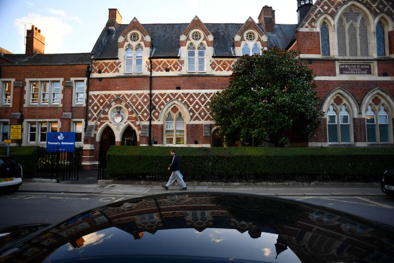 © Reuters. Thomas's Battersea, a private school attended by Prince George, is seen in southwest London