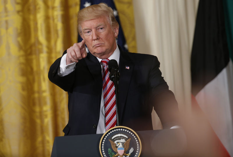 © Reuters. U.S. President Trump takes question during joint news conference with Kuwait's Emir Sheikh Sabah Al-Ahmad Al-Jaber Al-Sabah at the White House in Washington