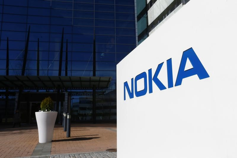 © Reuters. A Nokia logo is seen at the company's headquarters in Espoo