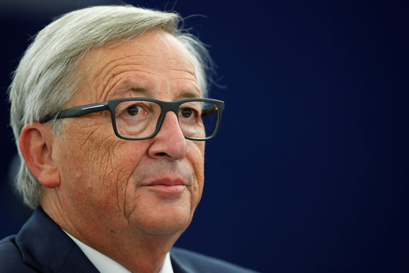 © Reuters. European Commission President Jean-Claude Juncker looks on before addressing the European Parliament during a debate on The State of the European Union in Strasbourg