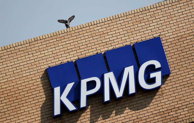 © Reuters. FILE PHOTO:The KPMG logo is seen at the company's head offices in Parktown, Johannesburg