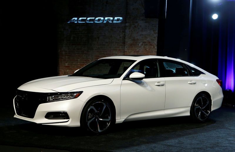 © Reuters. FILE PHOTO:    American Honda Motor introduces the 2018 Honda Accord at the Garden Theater in Detroit