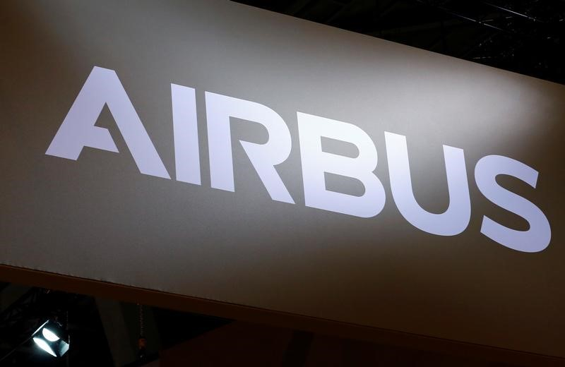 © Reuters. A logo of Airbus is pictured on their booth during EBACE in Geneva
