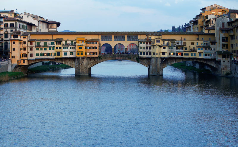© Reuters. FILE PHOTO:General view of Ponte Vecchio (Old Bridge) in Florence
