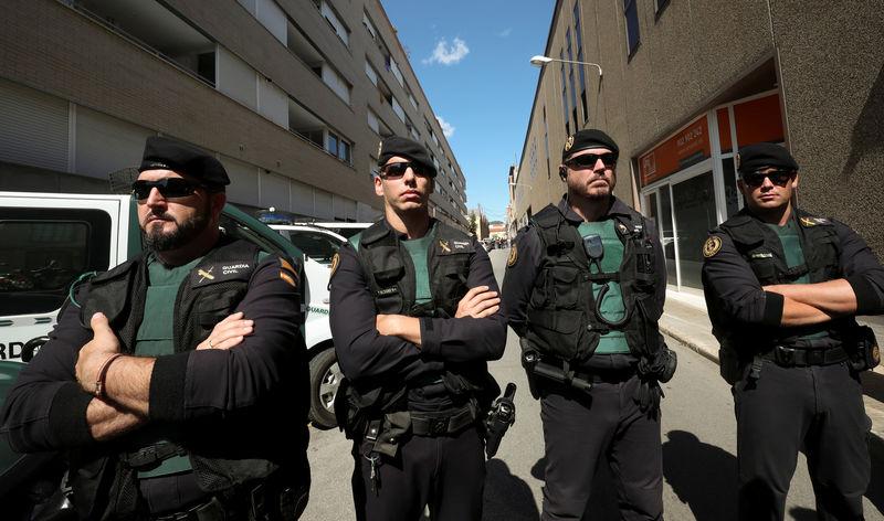 La Guardia Civil requisa documentación censal del referéndum catalán