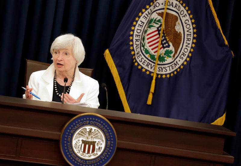 Fed, Yellen: graduali rialzi tassi dovrebbero continuare, malgrado inflazione debole