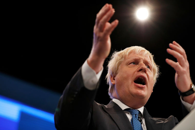© Reuters. Britain's Foreign Secretary Boris Johnson addresses the Conservative Party conference in Manchester
