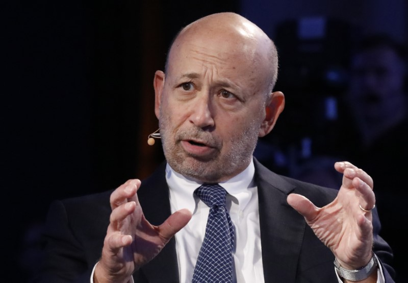 © Reuters. FILE PHOTO - Goldman Sachs Chairman and CEO Blankfein speaks at the Bloomberg Global Business Forum in New York