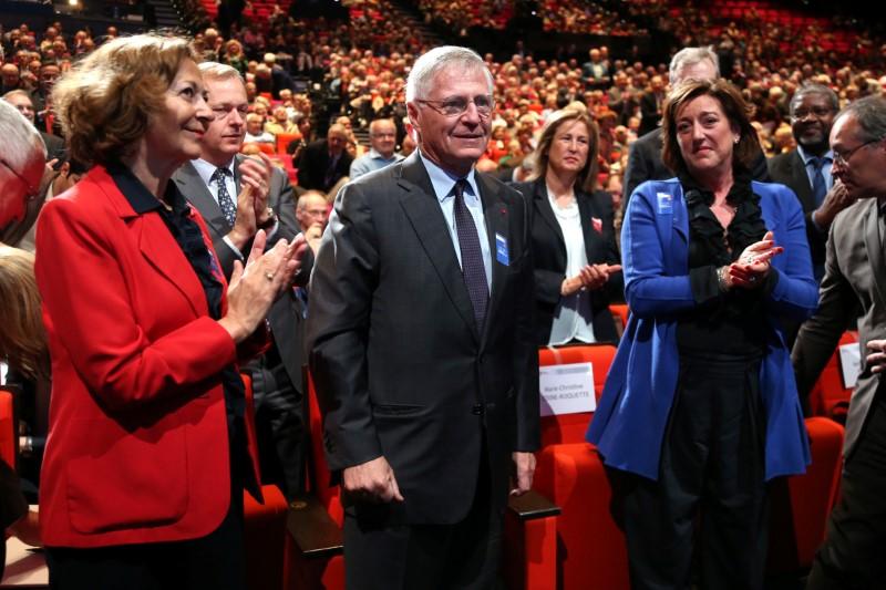 © Reuters. RENAULT CONFIRME LE DÉPART DE DESMAREST DU CONSEIL