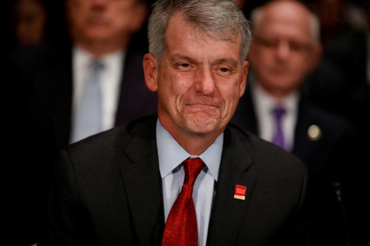 © Reuters. Wells Fargo & Company CEO and President Tim Sloan testifies before the Senate Banking Committee on Capitol Hill in Washington