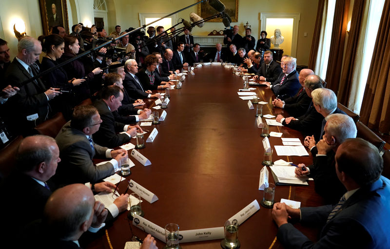 © Reuters. U.S. President Donald Trump holds a meeting on trade with members of Congress at the White House in Washington
