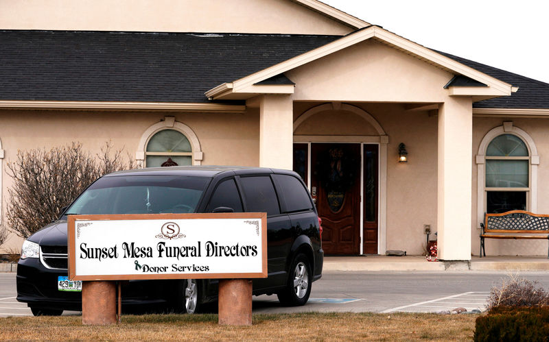 © Reuters. FILE PHOTO:    The Sunset Mesa Funeral Directors and Donor Services building in Montrose