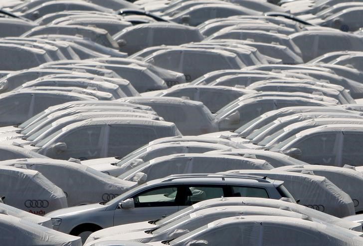 © Reuters. ALLEMAGNE: CROISSANCE SOUTENUE PAR L'EXPORT, INFLATION TIMIDE
